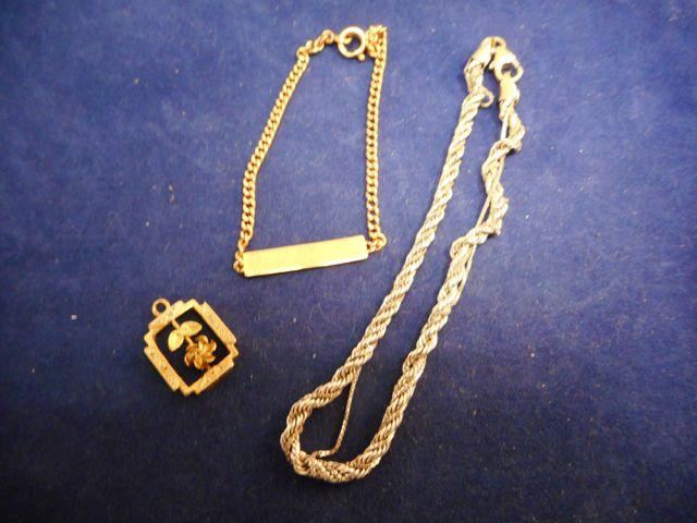 Bracelet enfant or avec bracelet or gris abimé et pendentif or ,6...