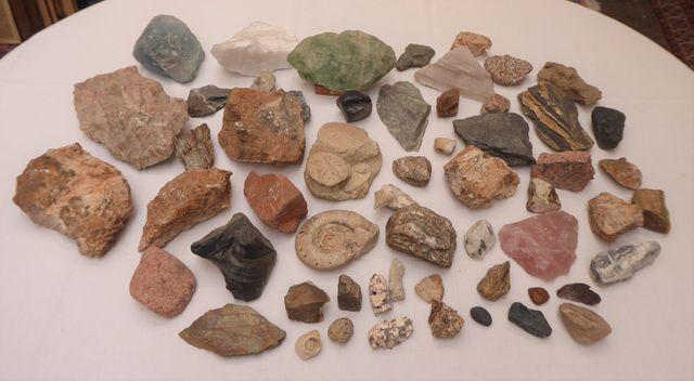 Lot de pierres et  minéraux
