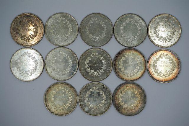 Lot de pièces dont argent Pds 900 grs