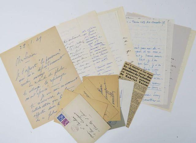 Aviation - VOISIN (Gabriel). 13 lettres autographes signées à Luc...