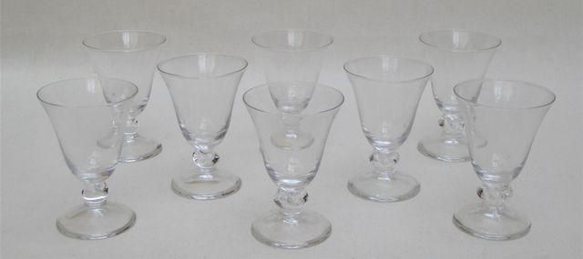 Lot comprenant : BACCARAT FRANCE Bougeoir torsadé en cristal H. 1...
