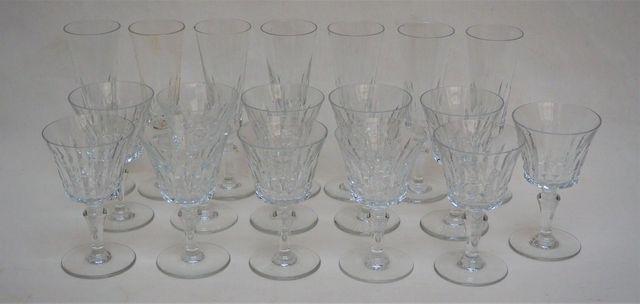 Lot de verres dépareillés en cristal (Baccarat, Saint Louis)