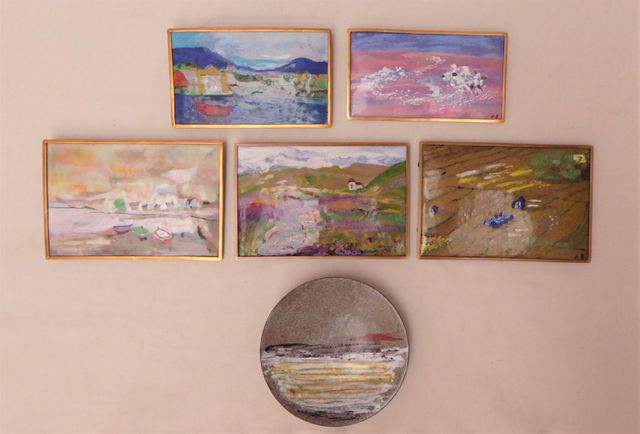 Jeanne BARBIER (XXe-XXIe) Ensemble comprenant 14 plaques émaillée...