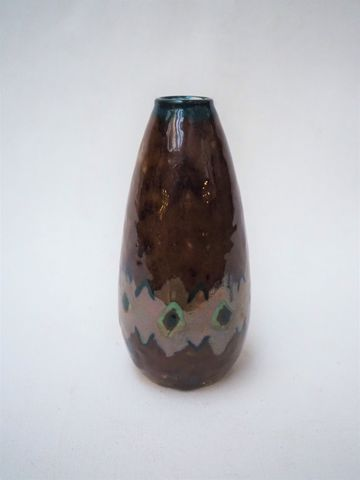 Camille THARAUD (1878-1956) Petit vase ovoïde en porcelaine émail...