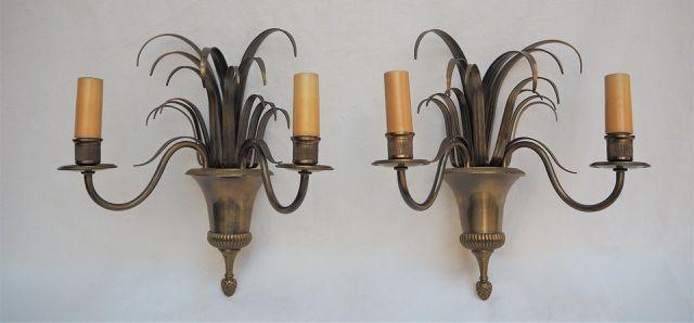 MAISON CHARLES (Attribué à) Paire d'appliques en bronze doré à la...