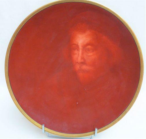 LIMOGES Manufacture William GUERIN Plat en porcelaine à décor de ...