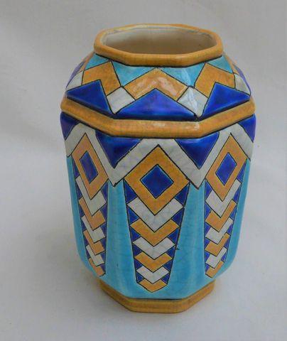 LONGWY Vase en faïence craquelée à décor géométrique H.18 cm