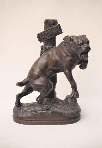 Charles VALTON (1851-1918) Bouledogue Bronze signé sur la terrass...