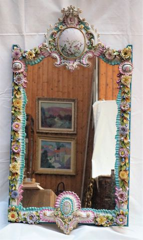 ITALIE XXème siècle - GALLETTI Miroir en porcelaine polychrome à ...