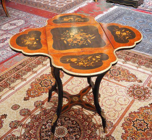 Table d'appoint à volets en bois noirci, style Napoléon III, Trav...