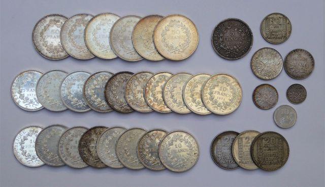 Lot de pièces en argent  Poids brut : 759 grs