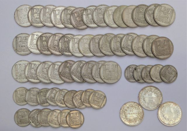Ensemble de pièces IIIème République comprenant : 37 pièces de 20...