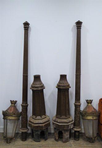 Paire de lampadaires en fonte H.380 cm