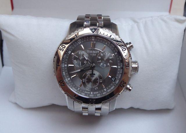 TISSOT Montre bracelet d'homme en acier modèle PRS 200, Collectio...