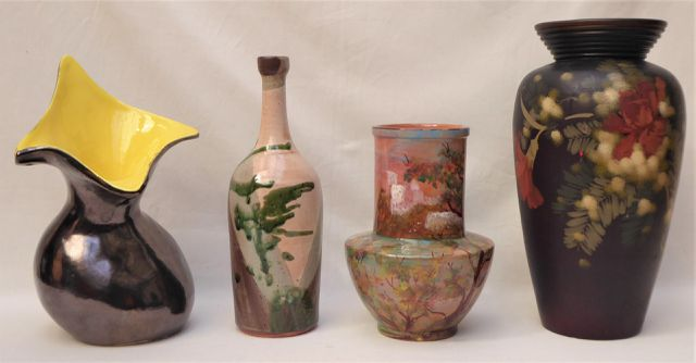 Ensemble de 4 pièces en céramique comprenant un vase signé JOUL (...