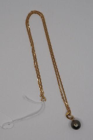 Chaîne or jaune sertie perle de Tahiti Pds brut 14 grs