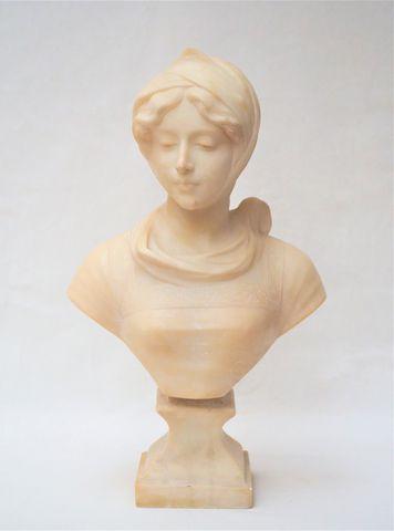 Cipriano CIPRIANI (XIX-XX) Buste de femme Sculpture en albâtre, s...