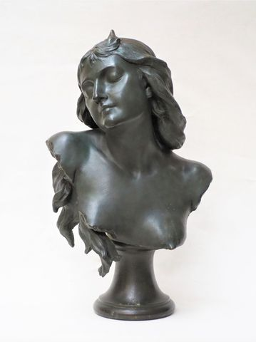 Ernest SPERLAETEN (XIX-XX) Buste de femme Bronze à patine brun ve...
