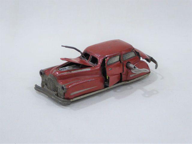 JOUSTRA Auto miracle Réf. 2002 rouge, état moyen  L. 14 cm
