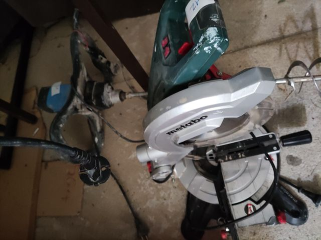 SCIE COUPE D'ONGLETS METABO ET MALAXEUR EUROPRO