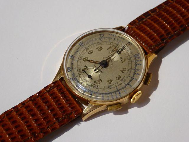 Chronographe Suisse Montre bracelet d'homme, boîtier or jaune, br...