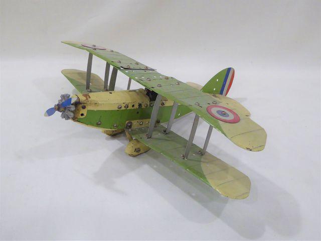 MECCANO Avion biplan vert et crème avec pilote et cocardes tricol...