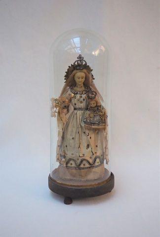 Vierge à l'enfant en cire habillée sous globe en verre XIXème siè...