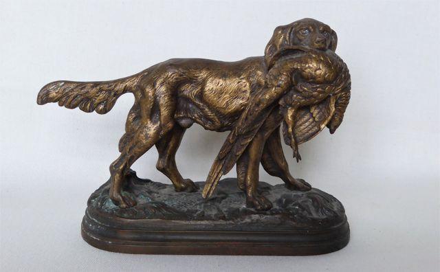 Édouard Paul DELABRIERRE (1829-1912) Chien au faisan Bronze à pat...