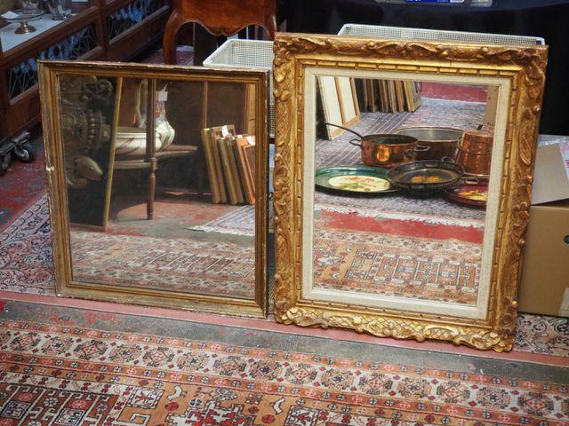 Lot de deux miroirs en bois et stuc doré