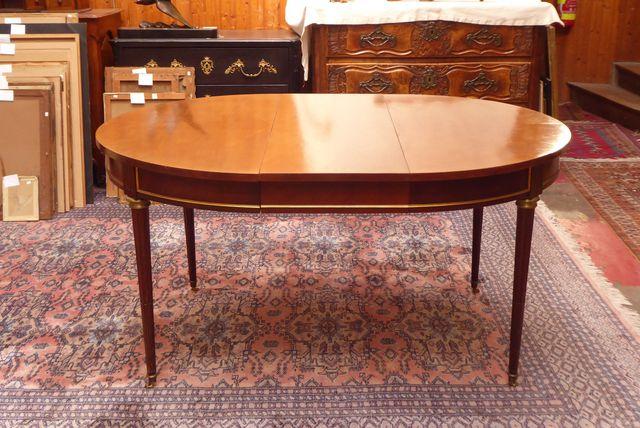 Table de salle à manger en bois de placage, de style Louis XVI, r...