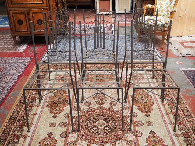 Lot de 6 chaises de jardin en fer H. 95 cm  L. 42 cm  P. 50 cm