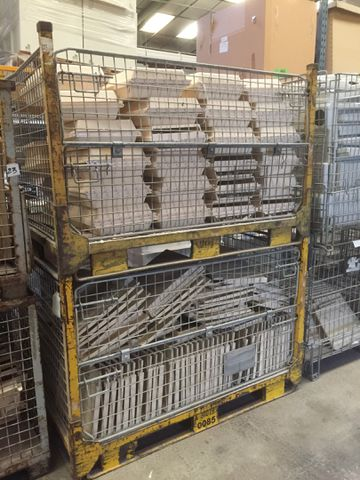 LOT DE 14 BACS GRILLAGES JAUNE