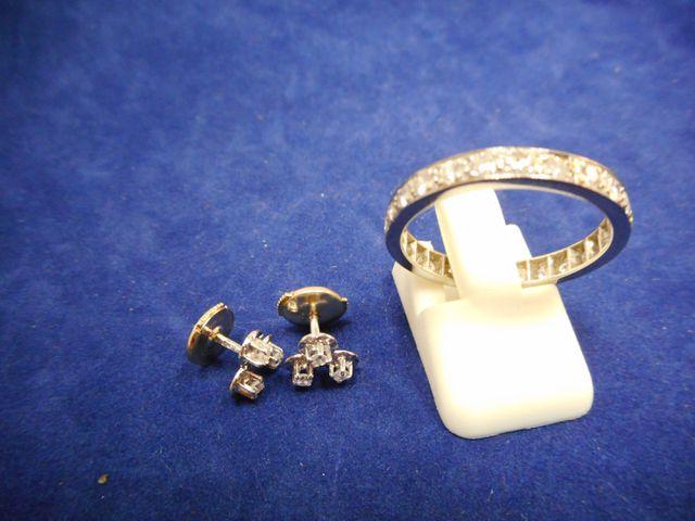 Alliance platine et diamants Tdd 58 et  boucles d'oreilles or gri...