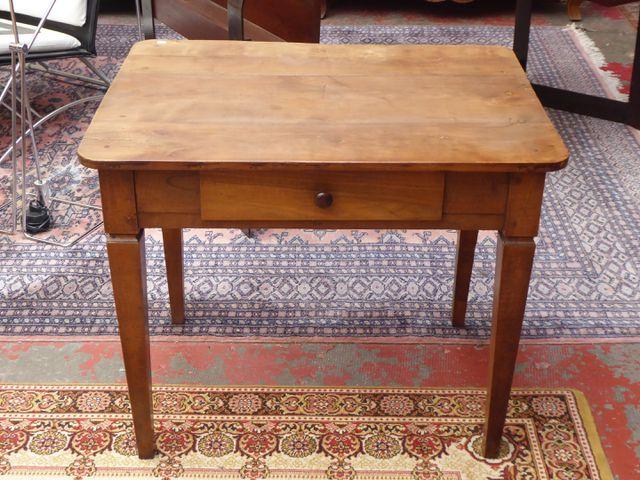 Petite table bureau en bois naturel ouvrant par un tiroir en cein...