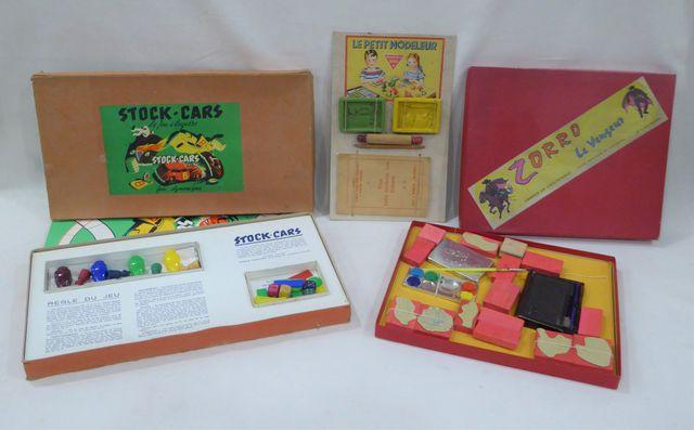 Lot de jeux en boîtes comprenant : - Stock Cars - Zorro le vengeu...