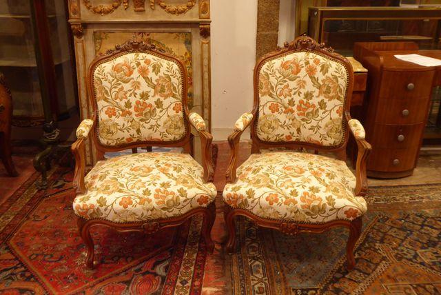 Paire de fauteuils à dossier plat dit