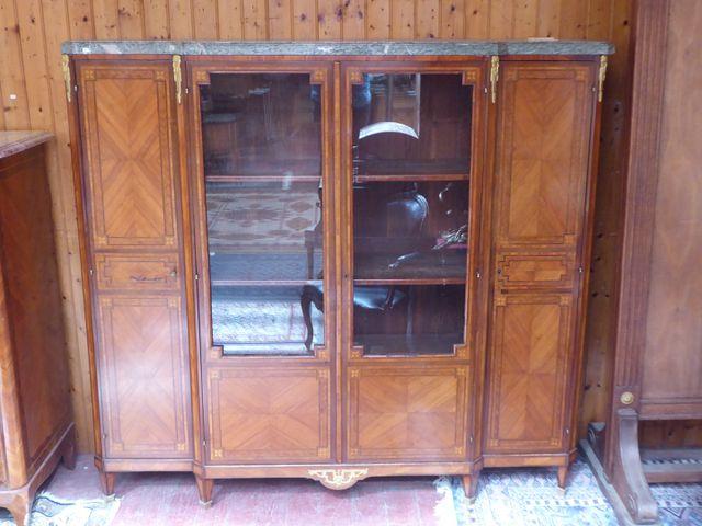 Bibliothèque de style transition en bois de placage ouvrant à 4 p...