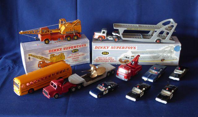 DINKY TOYS ENGLAND Lot de 10 véhicules comprenant : Mighty Antar ...