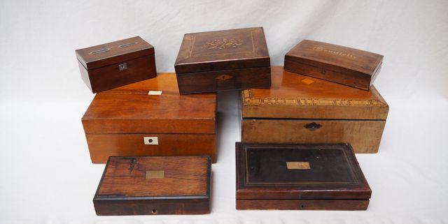 Important lot de coffrets, boîtes et écritoires en bois de placag...