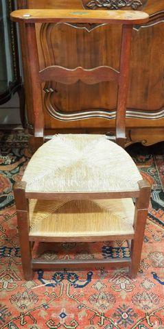 Chaise Prie-Dieu paillée H. 84,5 cm  L. 43 cm  P. 35 cm
