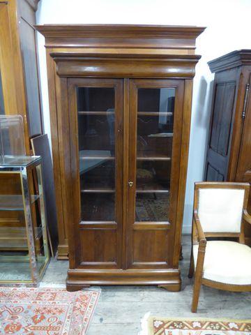 Bibliothèque vitrée Louis Philippe en bois naturel ouvrant par de...