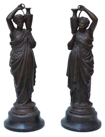 Charles Hippolyte FERRAT (1830-1882) Paire de figures féminines d...