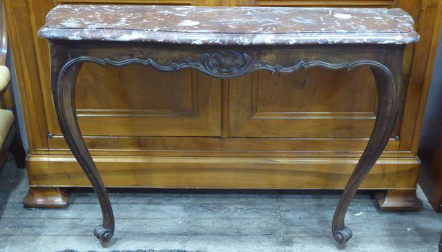 Console d'applique en bois naturel, dessus marbre, style Louis XV...