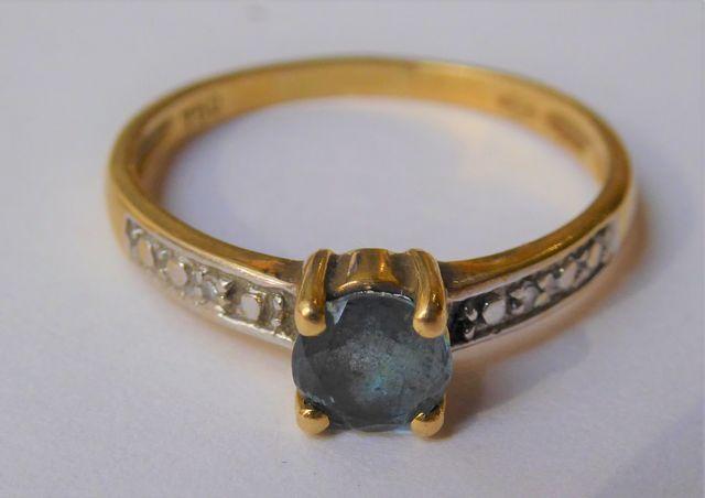 Bague or sertie pierre couleur bleu Pds 2 grs