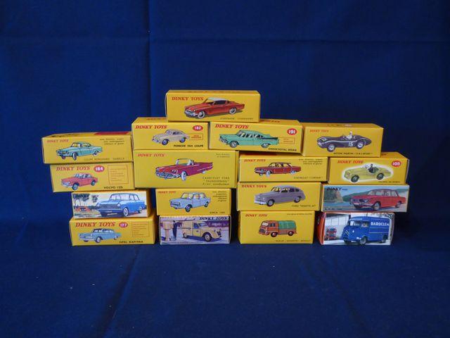DINKY TOYS Editions ATLAS GROUP Lot de 17 véhicules dans leurs bo...