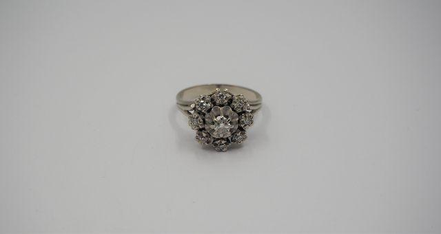 Bague or gris sertie diamants Pds brut 4 grs