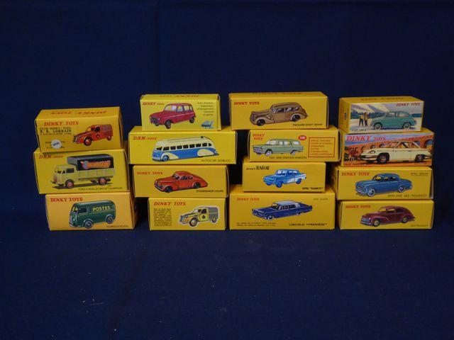 DINKY TOYS Editions ATLAS GROUP Lot de 15 véhicules dans leurs bo...