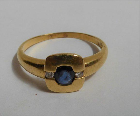 Bague or sertie pierres couleur bleu/blanc Pds 3 grs
