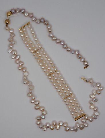 Bracelet perles trois rangs et fermoir or + collier perles et bra...