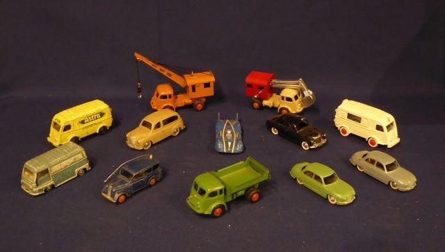 CIJ Lot de 12 véhicules Tracteur routier RENAULT Tracteur routier...